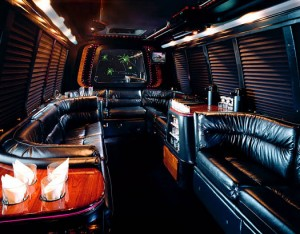 18-21_pass_luxury_limo_coach